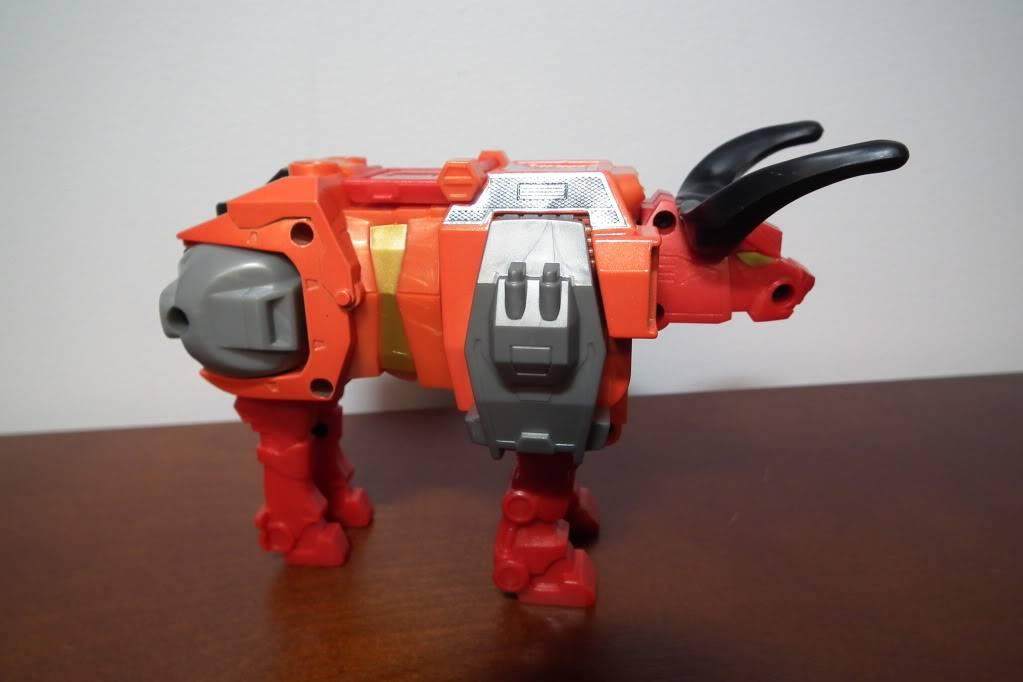 Collection de Braveheart: Venez voir mon musé personnel de Transformers - Page 6 DSCF4088