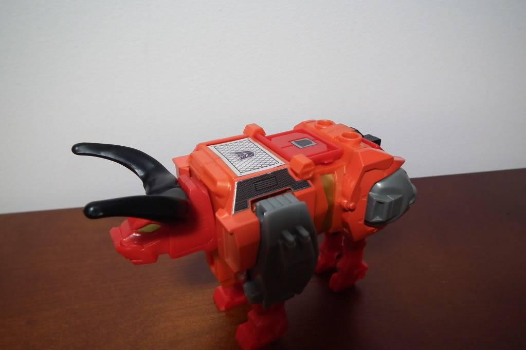 Collection de Braveheart: Venez voir mon musé personnel de Transformers - Page 6 DSCF4090