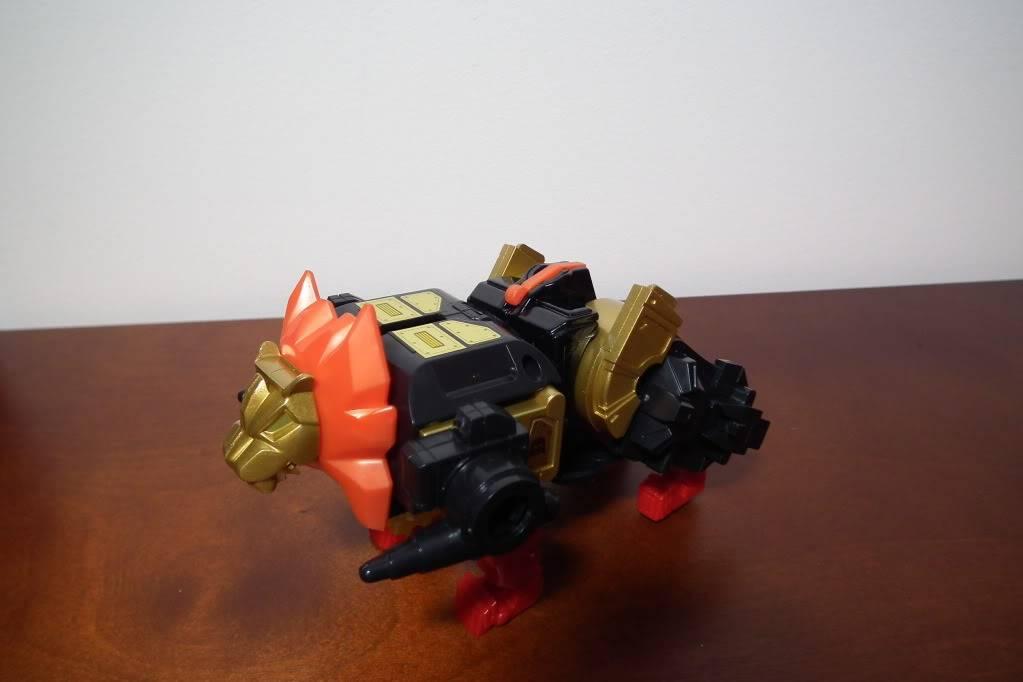 Collection de Braveheart: Venez voir mon musé personnel de Transformers - Page 6 DSCF4095