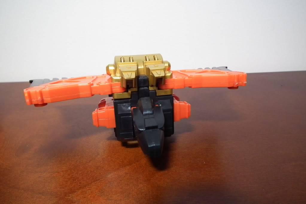 Collection de Braveheart: Venez voir mon musé personnel de Transformers - Page 6 DSCF4102