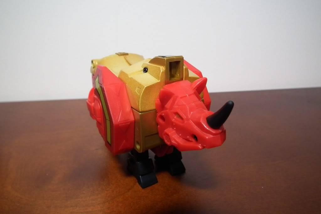 Collection de Braveheart: Venez voir mon musé personnel de Transformers - Page 6 DSCF4104