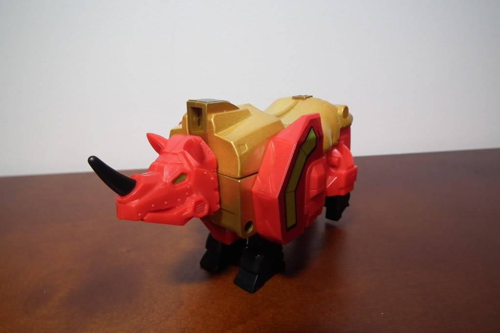 Collection de Braveheart: Venez voir mon musé personnel de Transformers - Page 6 DSCF4105