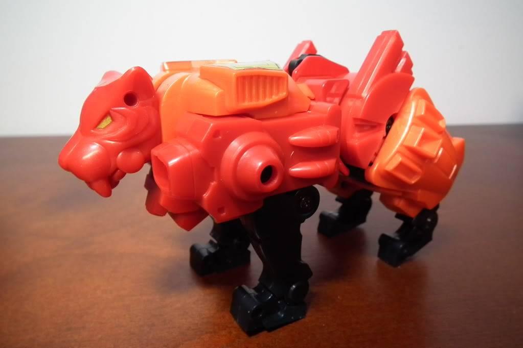 Collection de Braveheart: Venez voir mon musé personnel de Transformers - Page 6 DSCF4113
