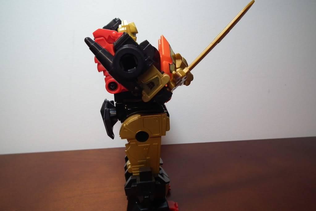 Collection de Braveheart: Venez voir mon musé personnel de Transformers - Page 6 DSCF4154