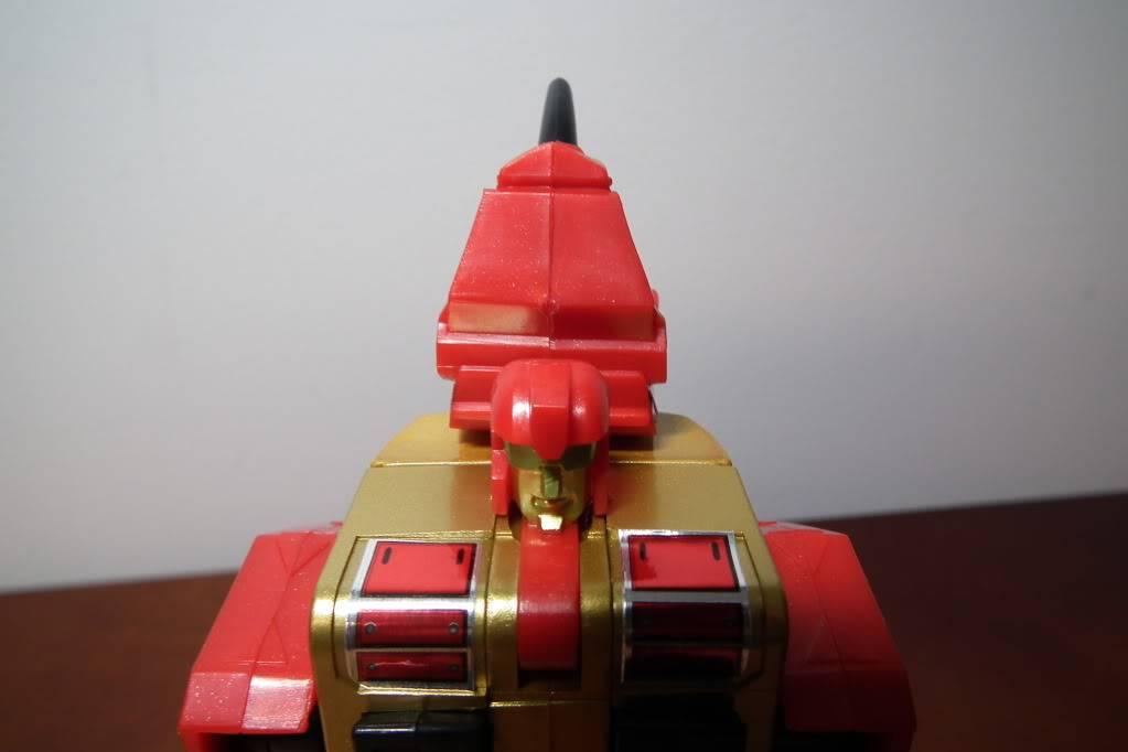 Collection de Braveheart: Venez voir mon musé personnel de Transformers - Page 6 DSCF4159