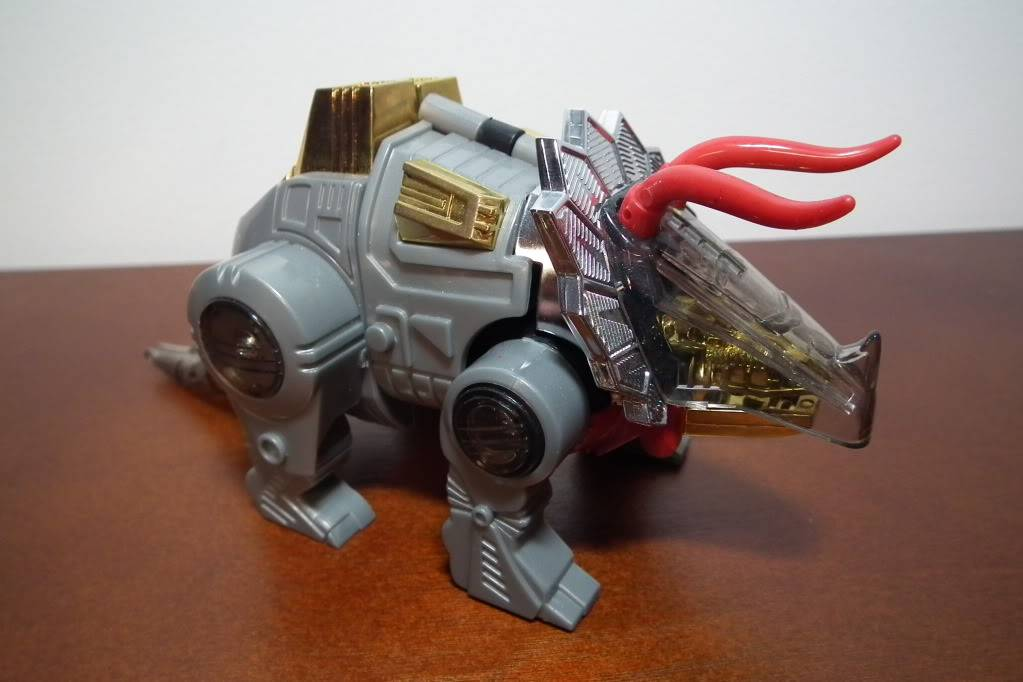 Collection de Braveheart: Venez voir mon musé personnel de Transformers - Page 6 DSCF3141