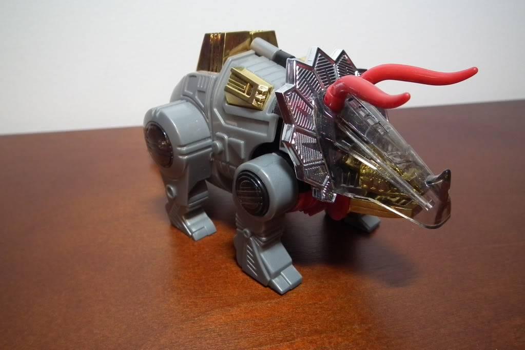 Collection de Braveheart: Venez voir mon musé personnel de Transformers - Page 6 DSCF3145