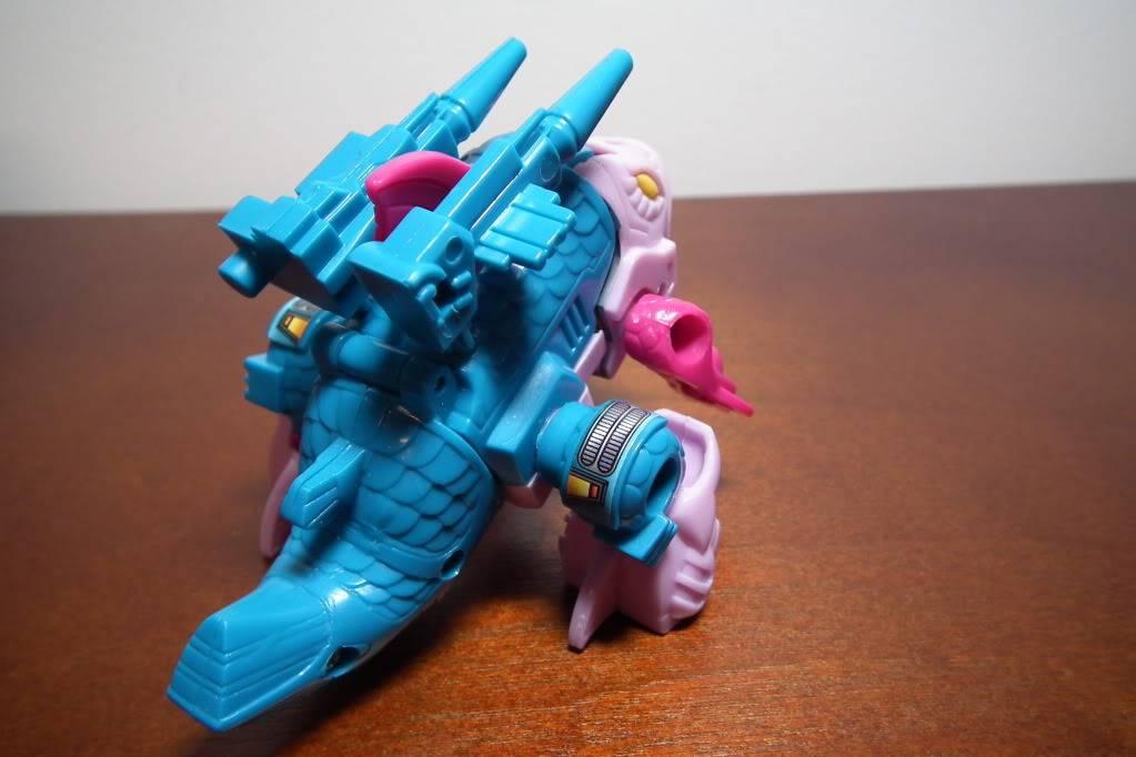 Collection de Braveheart: Venez voir mon musé personnel de Transformers - Page 6 DSCF3283