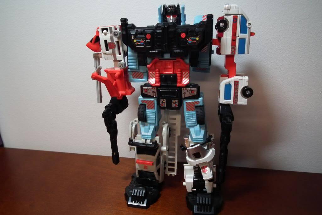 Collection de Braveheart: Venez voir mon musé personnel de Transformers - Page 2 DSCF1984