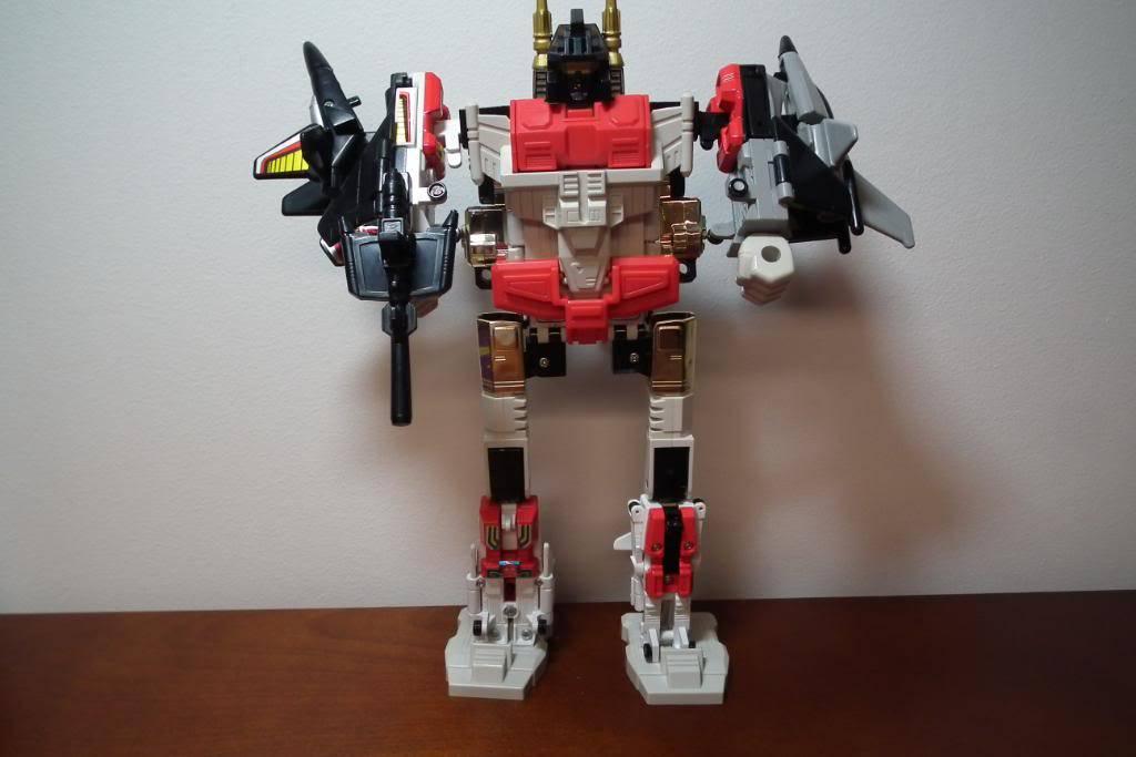 Collection de Braveheart: Venez voir mon musé personnel de Transformers - Page 2 DSCF1989