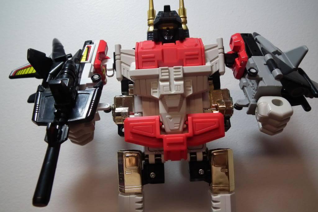 Collection de Braveheart: Venez voir mon musé personnel de Transformers - Page 2 DSCF1992