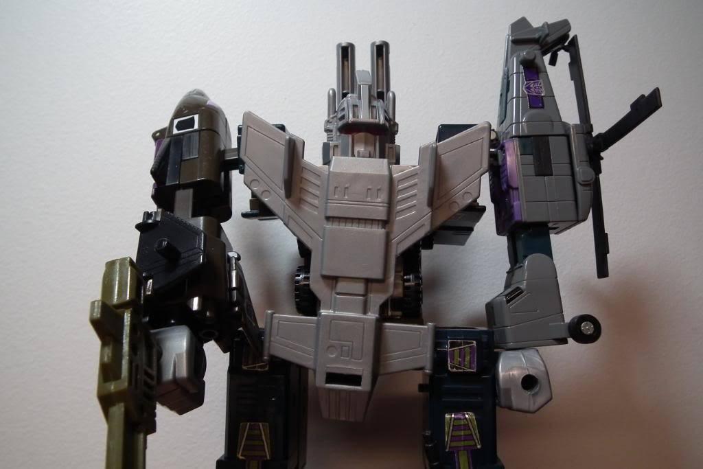 Collection de Braveheart: Venez voir mon musé personnel de Transformers - Page 2 DSCF2001