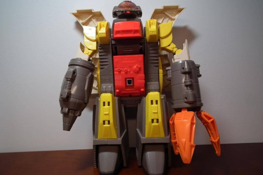 Collection de Braveheart: Venez voir mon musé personnel de Transformers - Page 2 DSCF2331