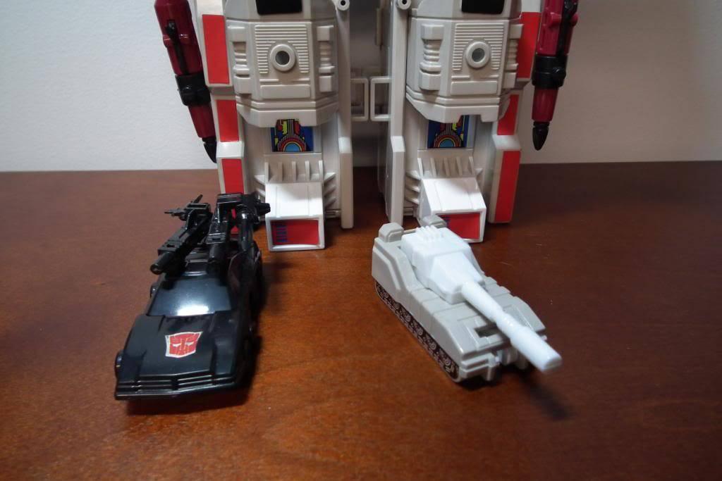 Collection de Braveheart: Venez voir mon musé personnel de Transformers - Page 2 DSCF2345
