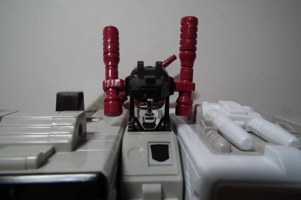 Collection de Braveheart: Venez voir mon musé personnel de Transformers - Page 2 DSCF2349