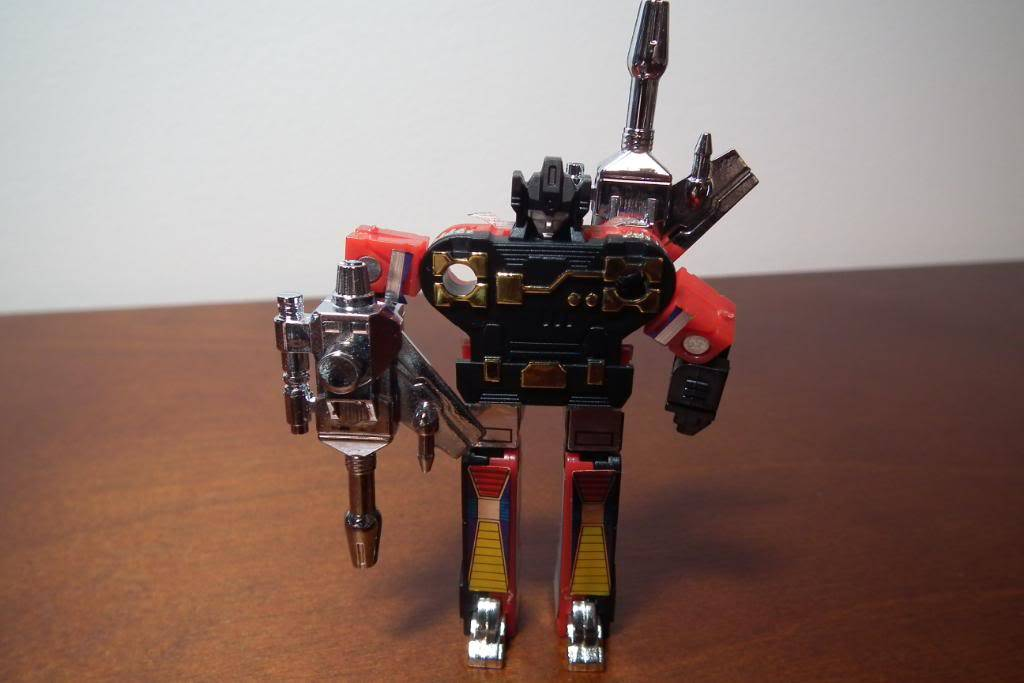 Collection de Braveheart: Venez voir mon musé personnel de Transformers - Page 3 DSCF1695
