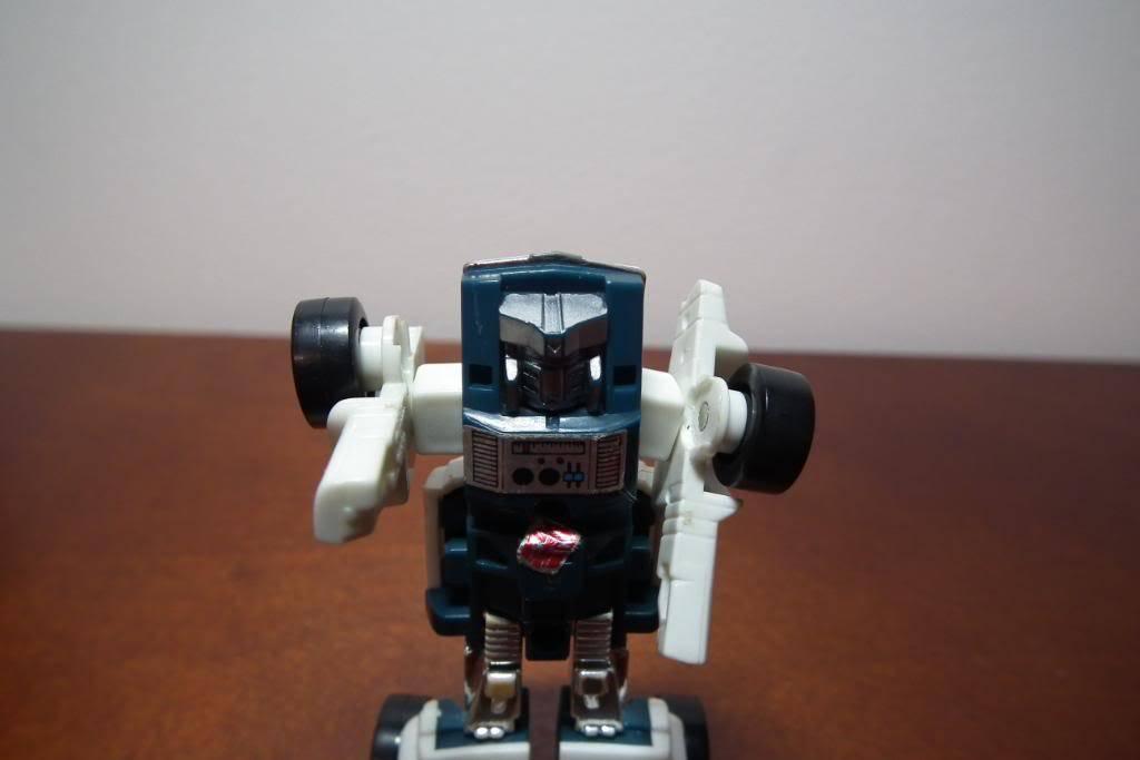 Collection de Braveheart: Venez voir mon musé personnel de Transformers - Page 3 DSCF1001