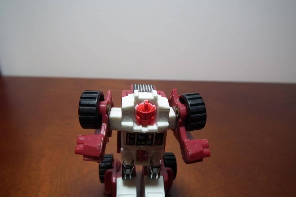 Collection de Braveheart: Venez voir mon musé personnel de Transformers - Page 3 DSCF1005