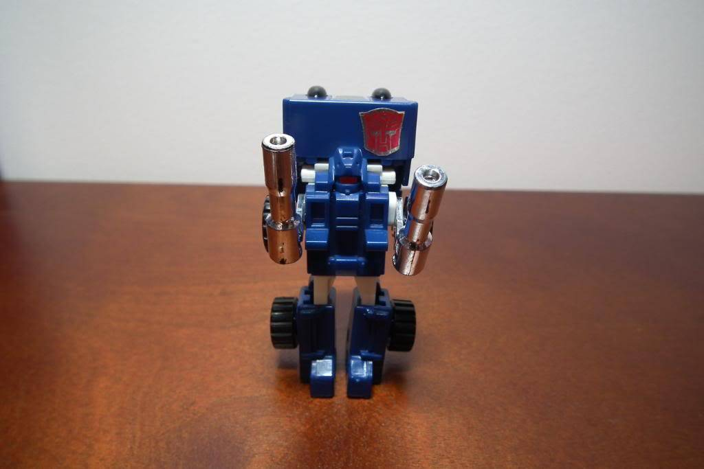 Collection de Braveheart: Venez voir mon musé personnel de Transformers - Page 3 DSCF1009