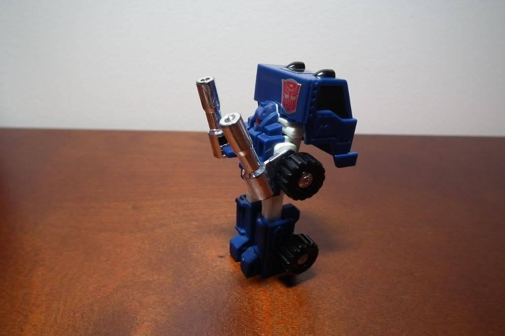 Collection de Braveheart: Venez voir mon musé personnel de Transformers - Page 3 DSCF1010