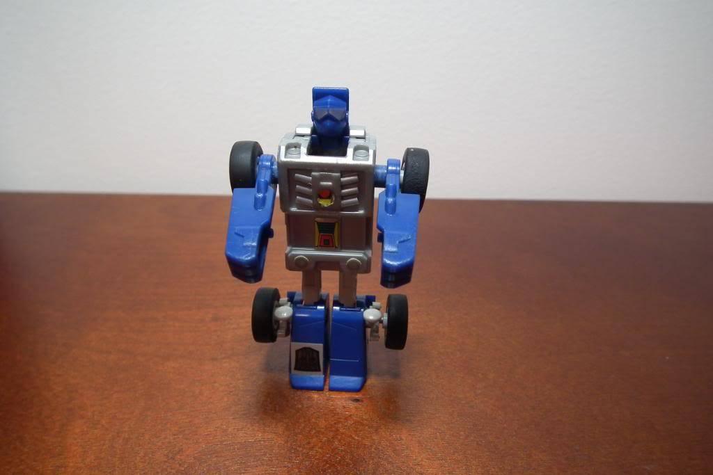 Collection de Braveheart: Venez voir mon musé personnel de Transformers - Page 3 DSCF1014