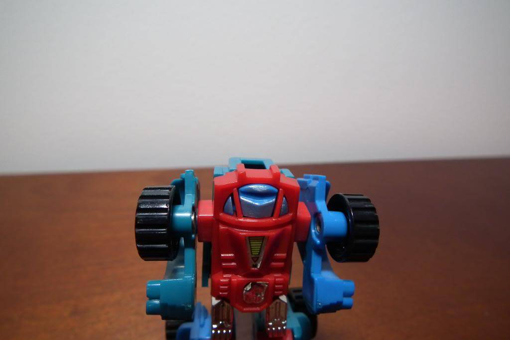 Collection de Braveheart: Venez voir mon musé personnel de Transformers - Page 3 DSCF1021