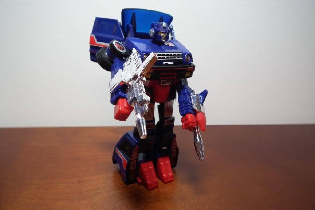 Collection de Braveheart: Venez voir mon musé personnel de Transformers - Page 3 DSCF1028