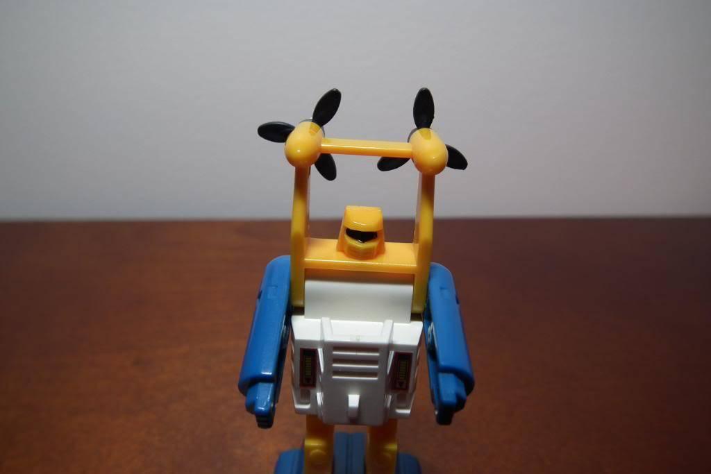 Collection de Braveheart: Venez voir mon musé personnel de Transformers - Page 3 DSCF1043