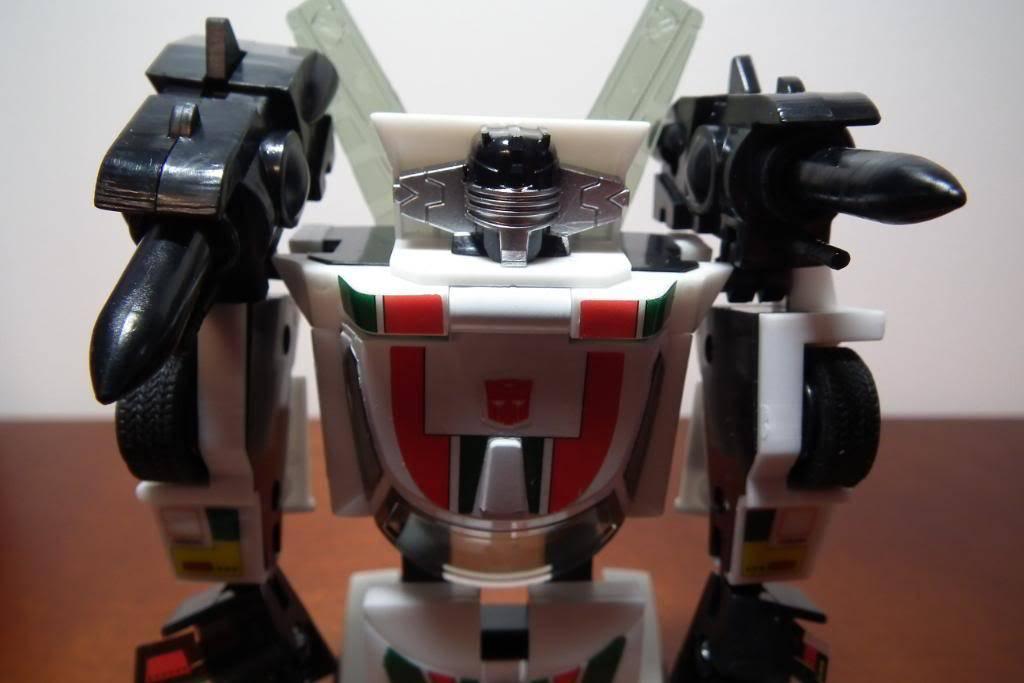 Collection de Braveheart: Venez voir mon musé personnel de Transformers - Page 3 DSCF1059