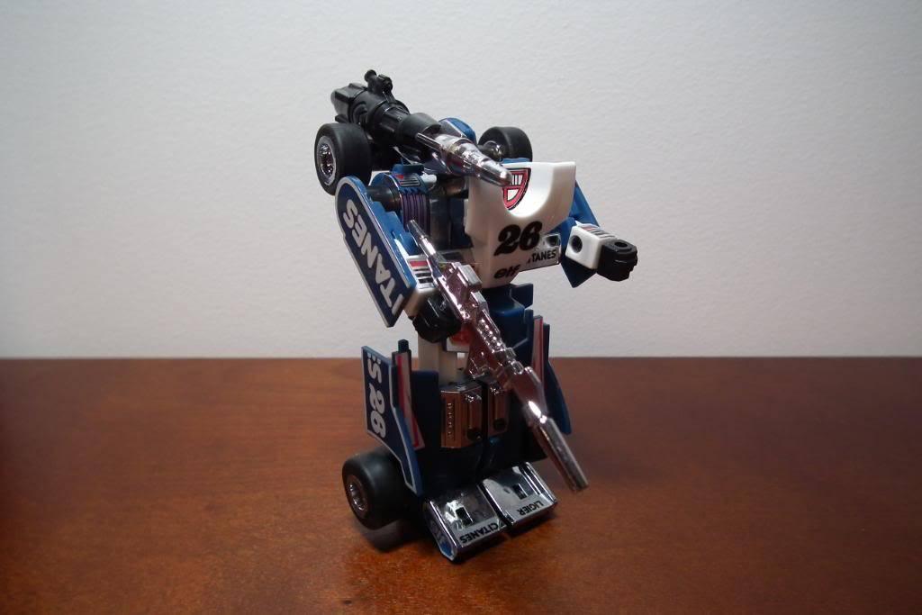Collection de Braveheart: Venez voir mon musé personnel de Transformers - Page 3 DSCF1066