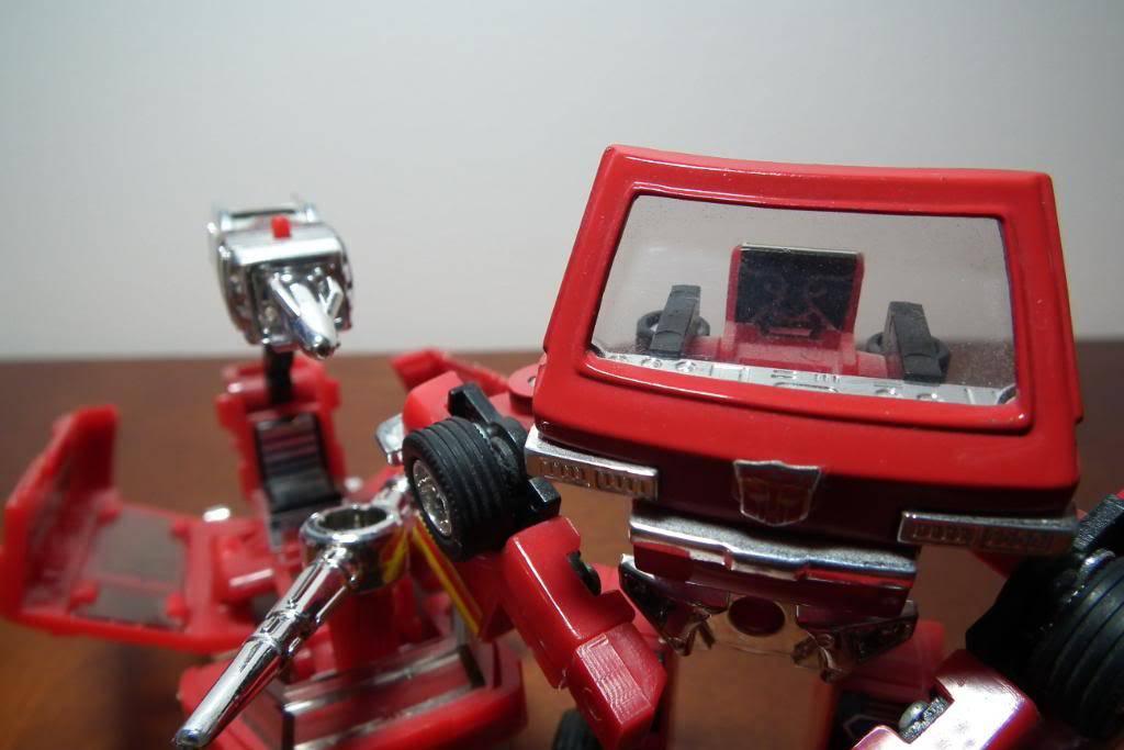Collection de Braveheart: Venez voir mon musé personnel de Transformers - Page 3 DSCF1134