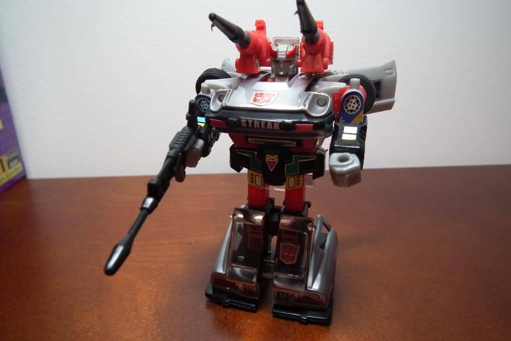 Collection de Braveheart: Venez voir mon musé personnel de Transformers - Page 3 DSCF1152