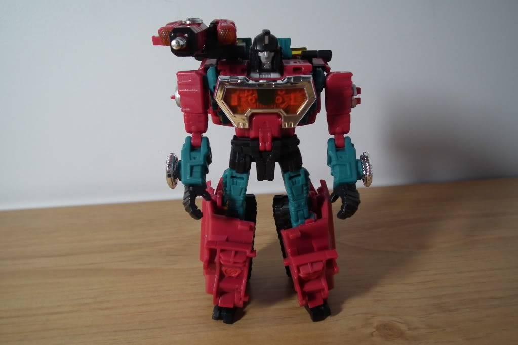 Collection de Braveheart: Venez voir mon musé personnel de Transformers - Page 7 DSCF4990