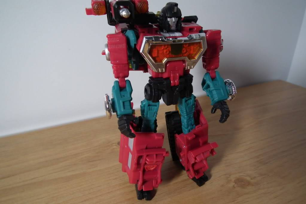 Collection de Braveheart: Venez voir mon musé personnel de Transformers - Page 7 DSCF4991
