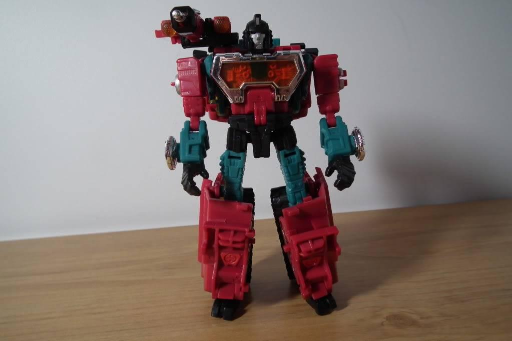 Collection de Braveheart: Venez voir mon musé personnel de Transformers - Page 7 DSCF4992