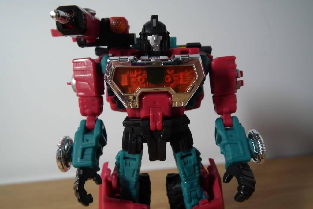 Collection de Braveheart: Venez voir mon musé personnel de Transformers - Page 7 DSCF4993