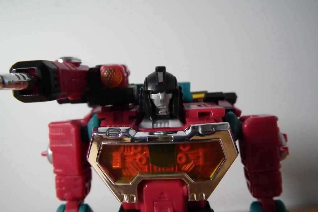 Collection de Braveheart: Venez voir mon musé personnel de Transformers - Page 7 DSCF4994