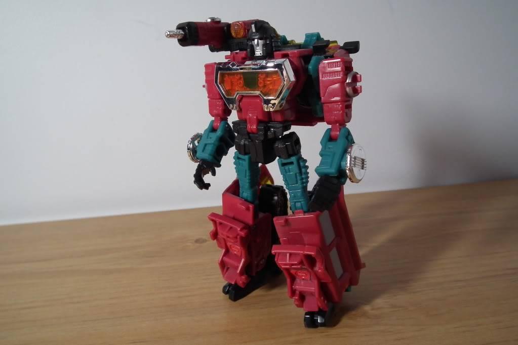 Collection de Braveheart: Venez voir mon musé personnel de Transformers - Page 7 DSCF4995