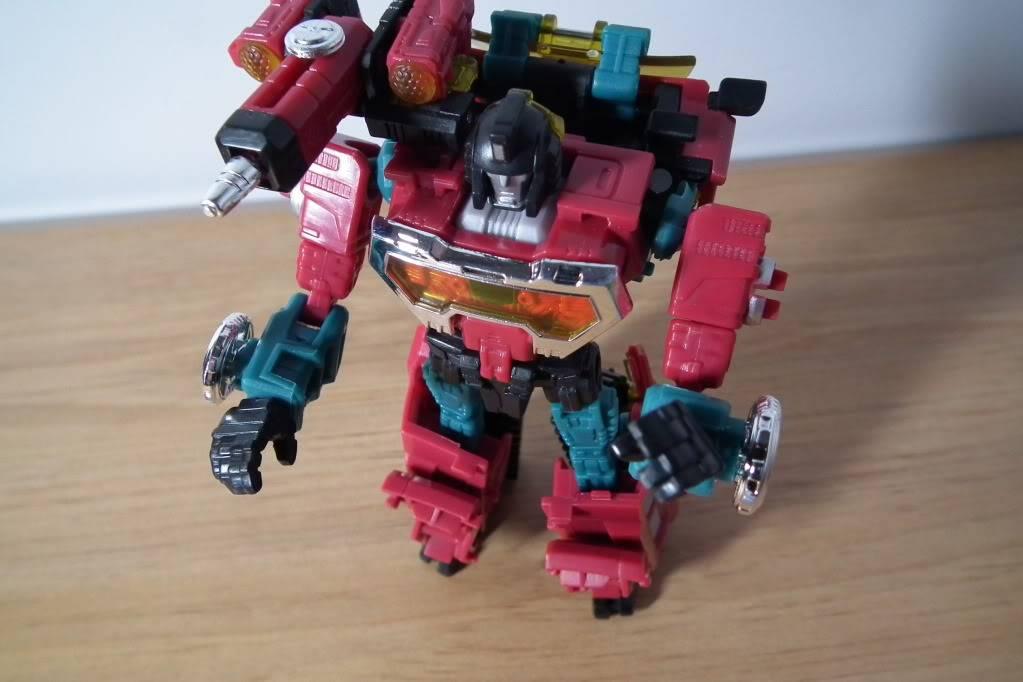 Collection de Braveheart: Venez voir mon musé personnel de Transformers - Page 7 DSCF4997