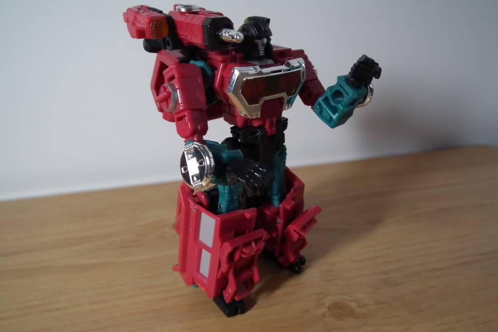 Collection de Braveheart: Venez voir mon musé personnel de Transformers - Page 7 DSCF4999