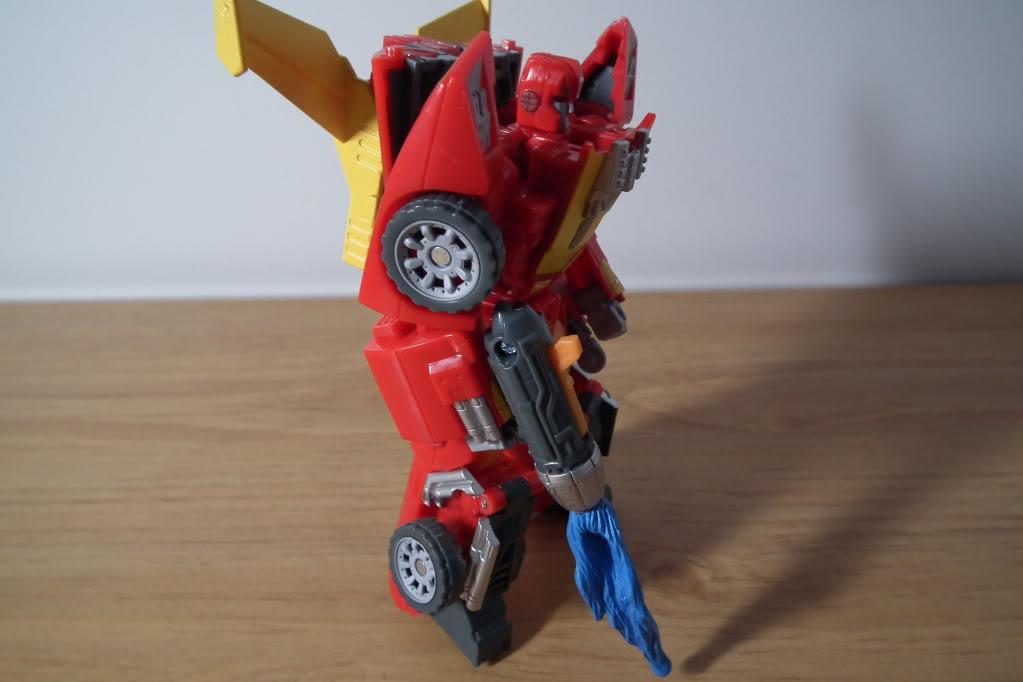 Collection de Braveheart: Venez voir mon musé personnel de Transformers - Page 7 DSCF5040