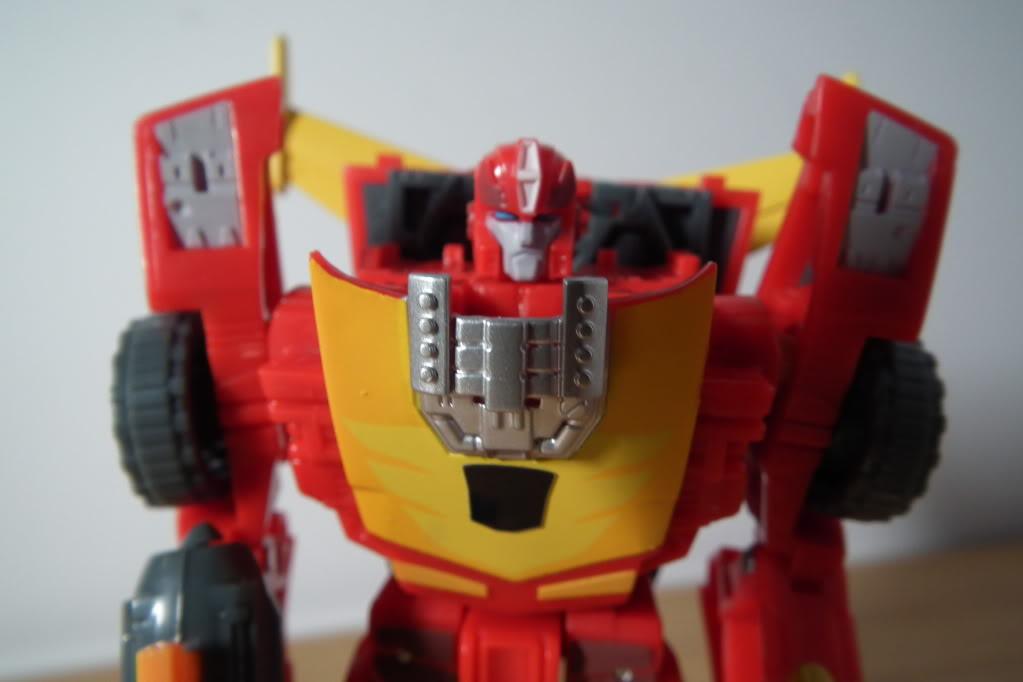 Collection de Braveheart: Venez voir mon musé personnel de Transformers - Page 7 DSCF5041