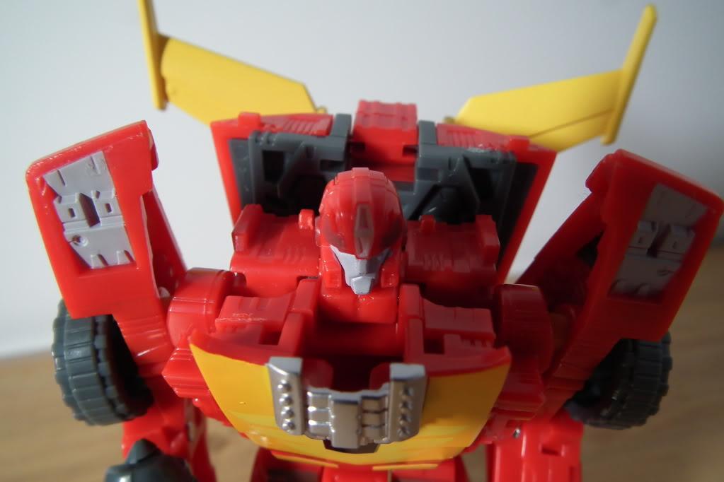 Collection de Braveheart: Venez voir mon musé personnel de Transformers - Page 7 DSCF5042