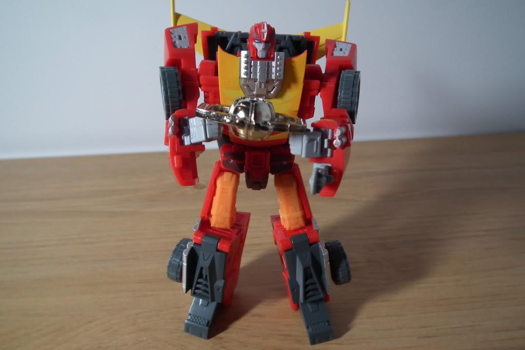 Collection de Braveheart: Venez voir mon musé personnel de Transformers - Page 7 DSCF5045