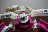 Collection de Braveheart: Venez voir mon musé personnel de Transformers - Page 5 Th_DSCF2995