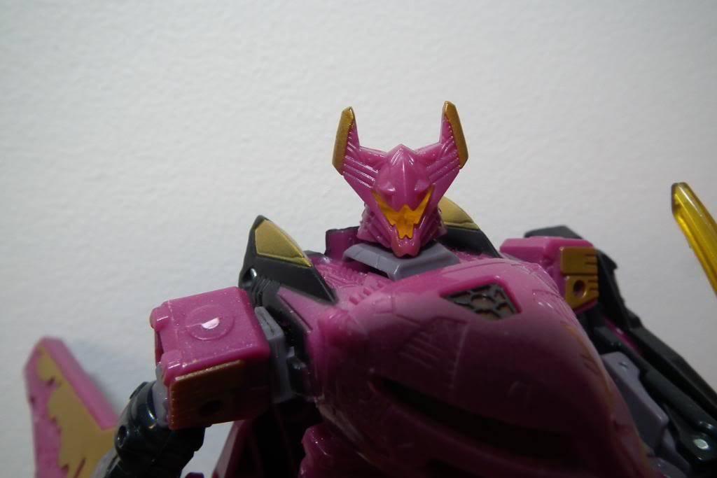 Collection de Braveheart: Venez voir mon musé personnel de Transformers - Page 5 DSCF2040