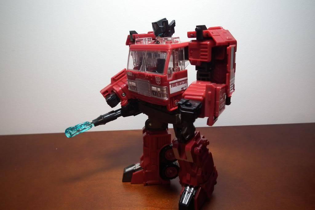 Collection de Braveheart: Venez voir mon musé personnel de Transformers - Page 3 DSCF3009