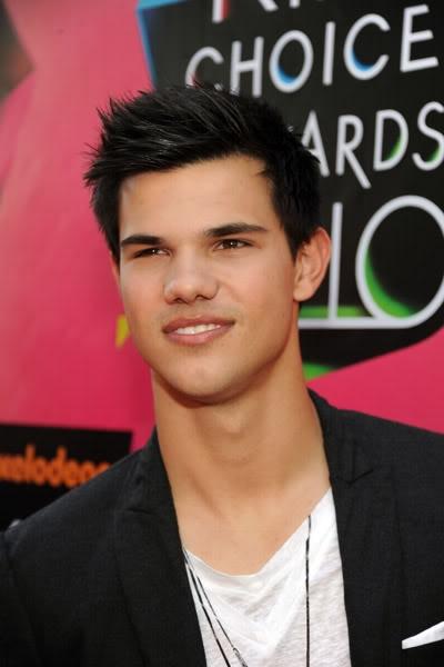 Kids Choice Awards 2010 /  Guild Awards 2010- 2011 Taylorkca4