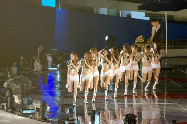 [16.07.2010][PICS/PERF] SNSD - Gyeongbok Sports Festival 52730014201007170113462424490560171