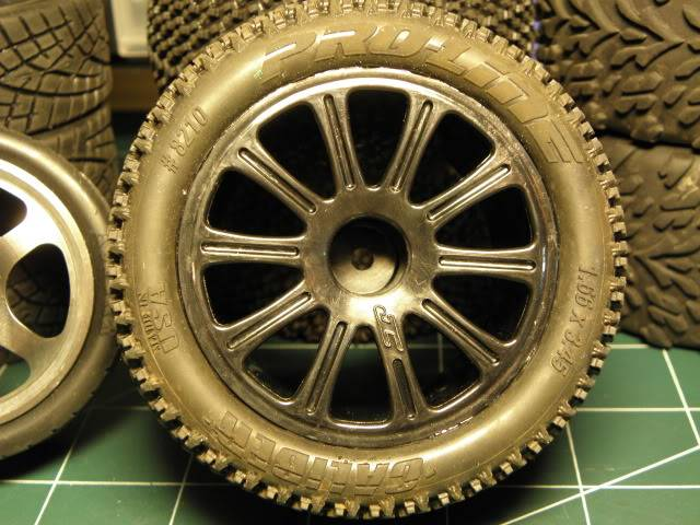 Collection de pneus RC - EncoreUneMod! P5060739